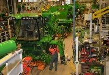 Dlaczego warto odwiedzić fabrykę przedinwestycją wmaszynę rolniczą?