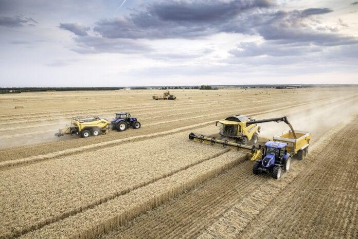 Maszyny żniwne New Holland podczas pracy